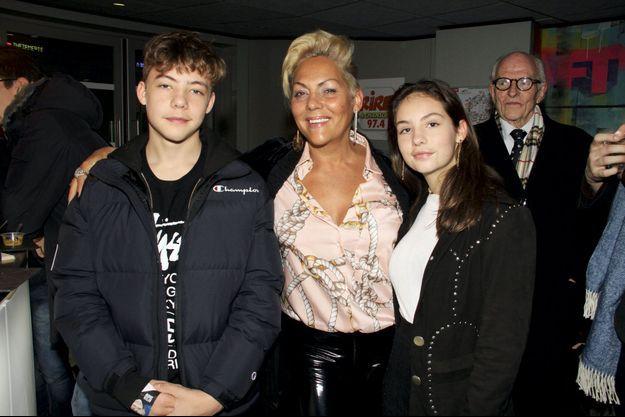 Avec son fils Calixte, 15 ans, et sa fille Allegra, 17 ans, à Paris, le 19 janvier 2020.