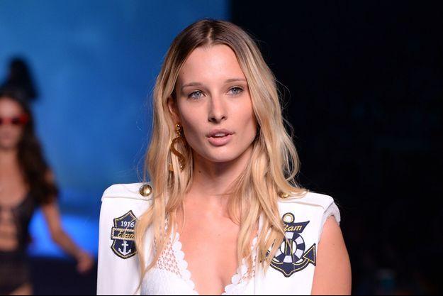 """Ilona Smet lors du défilé """"Etam Live Show"""" à Paris, le 25 septembre 2018"""