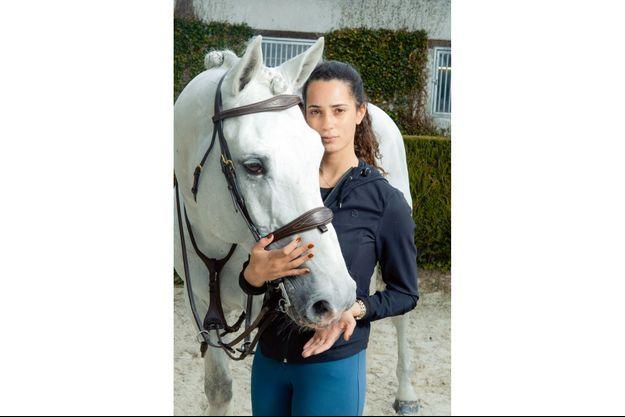 Iman Perez, fille de Vincent Perez aux haras Des Grands Champs, Bois-Le-Roi.