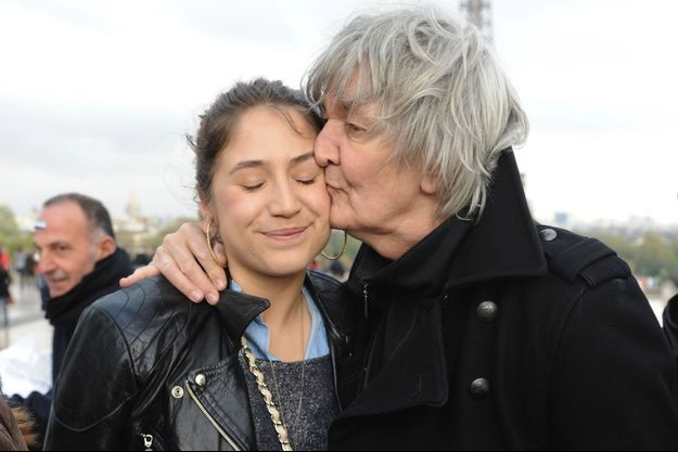 Jacques Higelin avec sa fille Izïa en avril 2012.