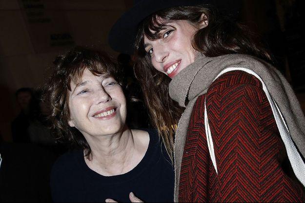 Jane Birkin et sa fille Lou Doillon à Paris, en janvier 2017.