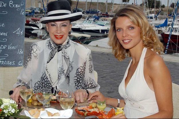 Geneviève de Fontenay et Sylvie Tellier en 2005.