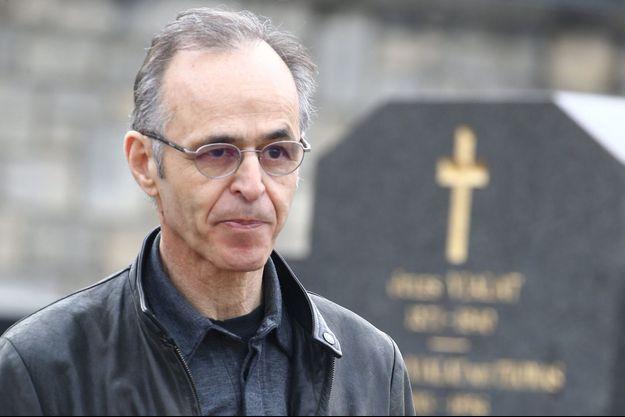 Jean-Jacques Goldman à l'enterrement de Véronique Colucci à Paris.