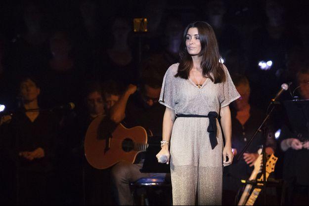 Jenifer sur scène pour les Enfoirés.