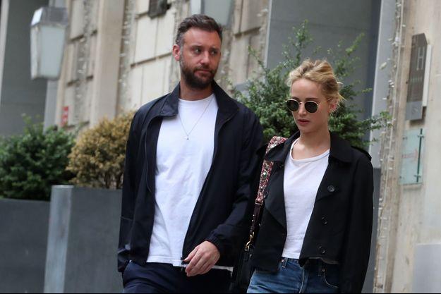 Jennifer Lawrence et son compagnon Cooke Maroney à Paris le 9 août 2018.
