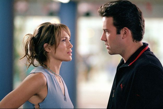 """Jennifer Lopez et Ben Affleck dans """"Amours troubles"""" (Gigli) en 2003, un bide monumental au box-office mais un coup de foudre sur le tournage."""