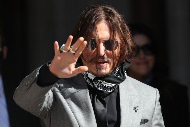 """Johnny Depp lors de son procès contre le """"Sun"""" à Londres, en juillet dernier."""