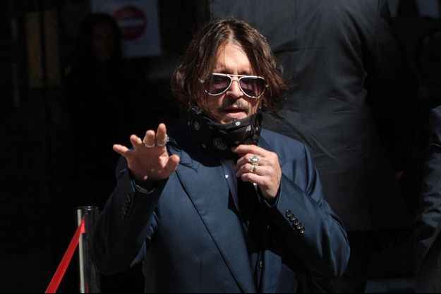 """Johnny Depp lors du premier jour de son procès contre le """"Sun"""", le 7 juillet."""
