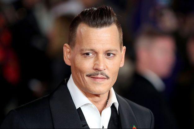 """Johnny Depp à l'avant première du """"Crime de l'Orient Express"""" le 2 novembre 2017 à Londres"""