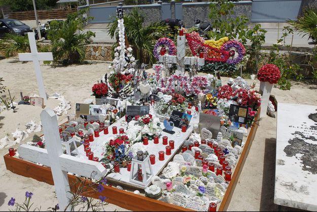 Tombe de Johnny Hallyday à Saint-Barthélémy.