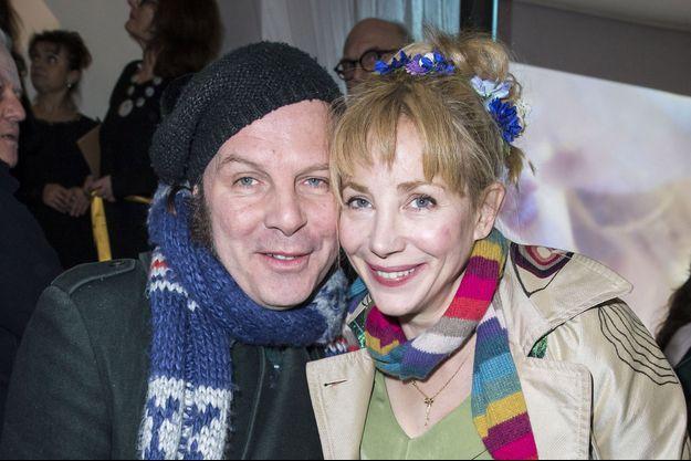 Philippe Katerine et sa compagne Julie Depardieu à Paris en février 2016.