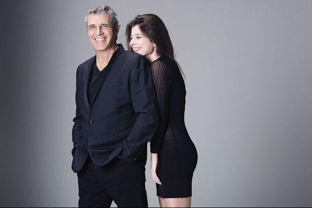 Avec le soutien d'Hélène, il prépare pour 2018 une grande tournée d'anniversaire : ses 50 ans de carrière