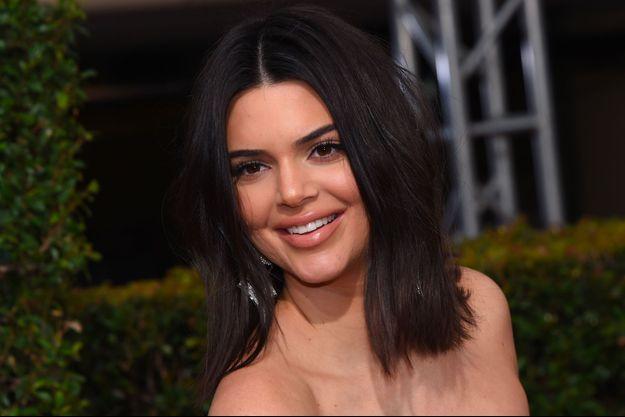 Kendall Jenner sur le tapis rouge de la 75ème cérémonie des Golden Globe Awards au Beverly Hilton à Los Angeles, le 7 janvier 2018