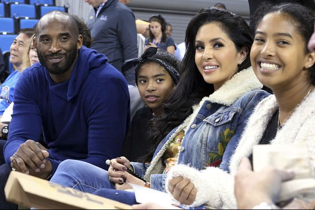 Kobe Bryant avec son épouse Vanessa et leurs filles Gianna (à gauche) et Natalia (à droite) en novembre 2017