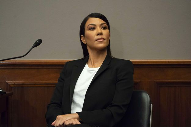 Kourtney Kardashian en conférence au Senat, mardi 24 avril