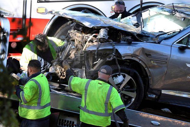Le véhicule de la star du golf était sorti de route avant d'effectuer plusieurs tonneaux à Ranchos Palos Verdes, près de Los Angeles, et Tiger Woods, 45 ans, avait eu la jambe droite brisée.