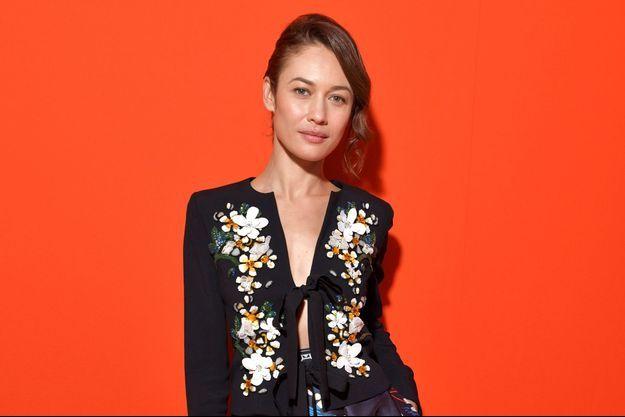 Olga Kurylenko à la Fashion week de Paris en septembre 2019.