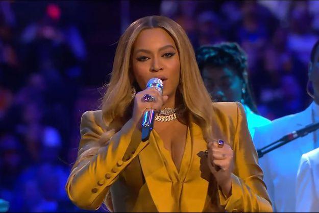 Beyoncé au Staples Center lors de l'hommage public donné à Gianna et Kobe Bryant le 24 février 2020