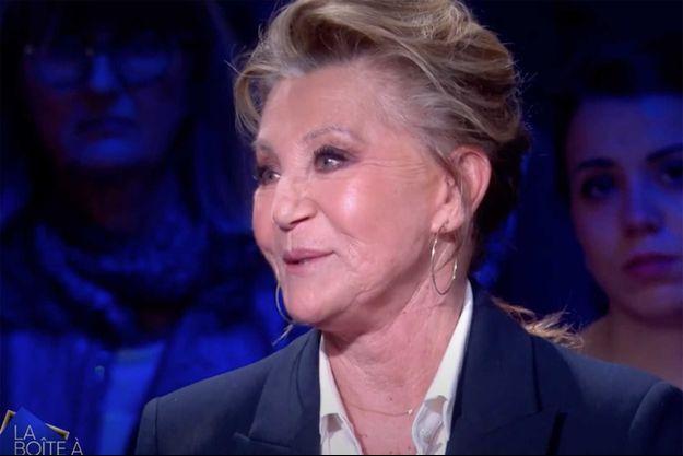 """Sheila sur le plateau de """"La boîte à secrets"""" sur France 3 vendredi."""