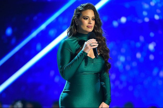 Ashley Graham présente Miss Univers 2018