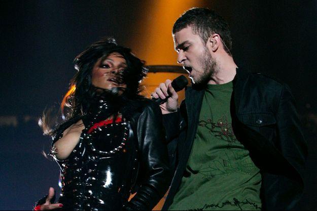 Janet Jackson et Justin Timberlake lors du Super Bowl, le 1er février 2004.