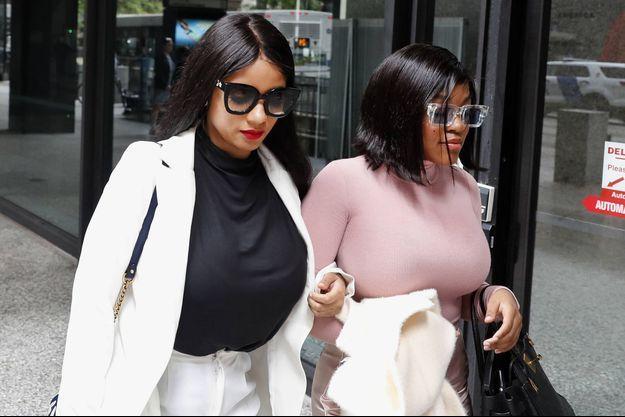Joycelyn Savage (à gauche) et Azriel Clary au tribunal de Chicago en juillet 2019.
