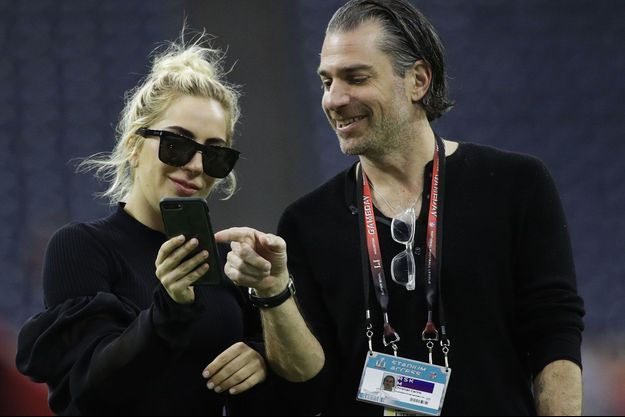 Lady Gaga et Christian Carino au Super Bowl en février 2017.