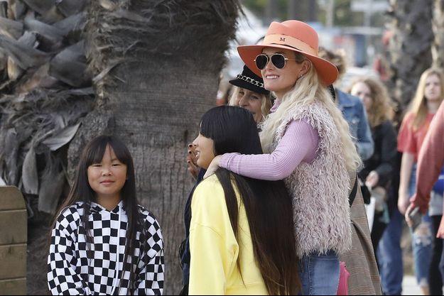 Laeticia Hallyday et ses filles Jade et Joy à Santa Monica, le 9 mars 2019