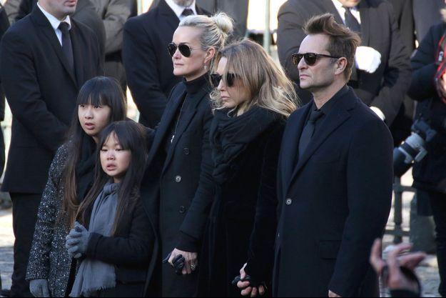 Le clan Hallyday à la Madeleine le 9 décembre 2017.