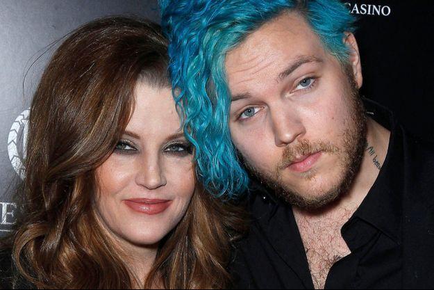 Lisa Marie Presley et son fils Benjamin Keough en 2012.