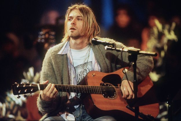 Kurt Cobain portant le gilet lors de l'enregistrement de MTV Unplugged à New York en novembre 1993