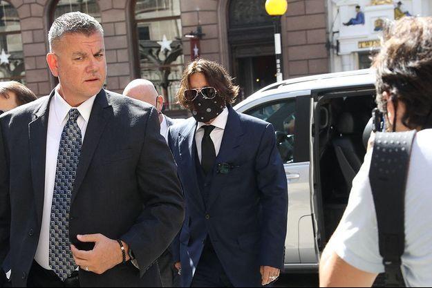 Johnny Depp à son arrivée au tribunal à Londres.