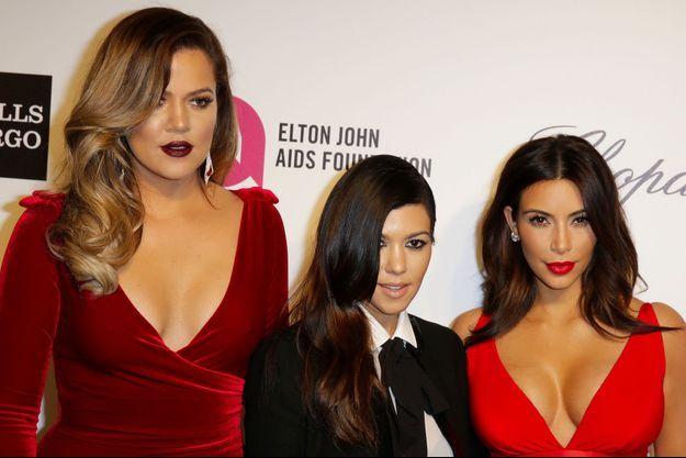 Khloé, Kourtney et Kim Kardashian à la soirée organisée par Elton John contre le sida en 2014