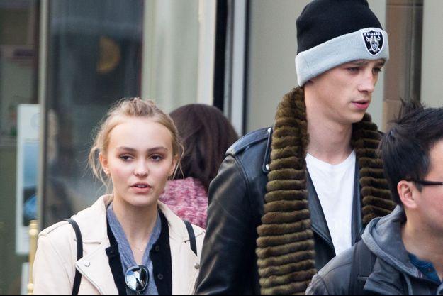 Lily-Rose Depp et Ash Stymest en 2016.
