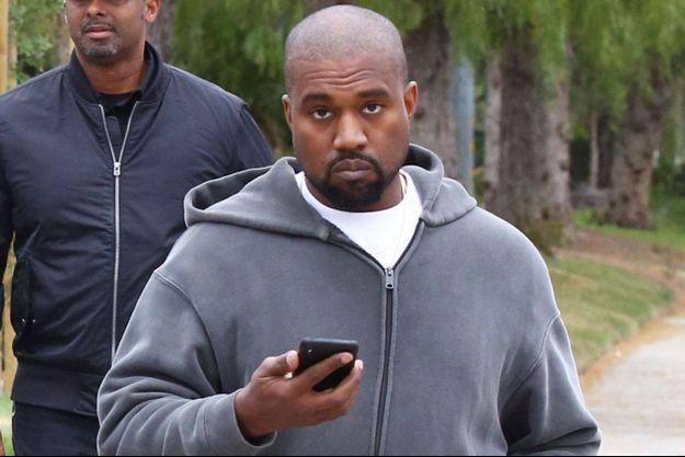 Kanye West dans les rues de Calabasas, avril 2018.