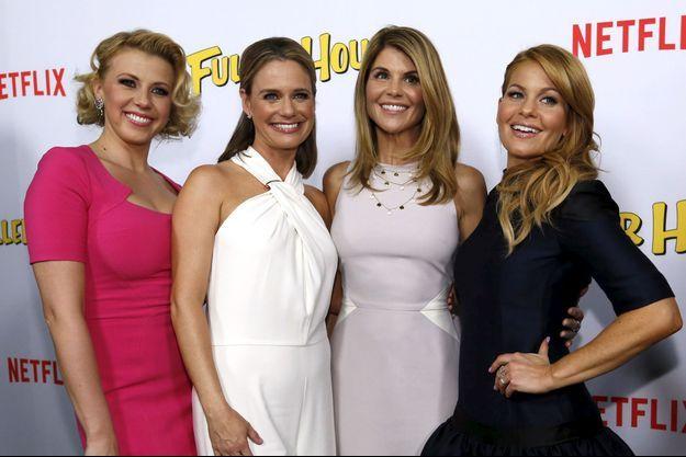 Lori Loughlin entourée de Jodie Sweetin (à gauche), Andrea Barber et Candace Cameron Bure en 2016