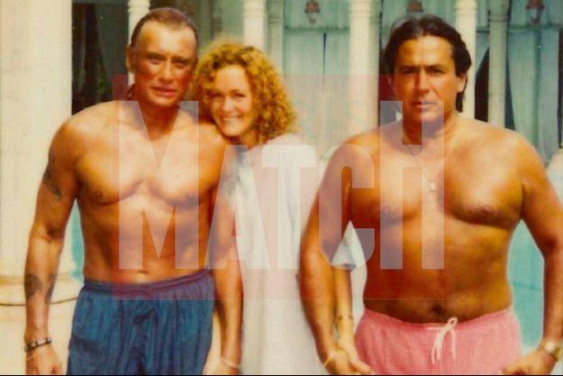 Concours de pectoraux en 1995, au Maroc, où Marc Francelet emmène Johnny et Laeticia, à l'abri des paparazzis.