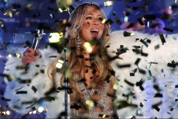 Mariah Carey a chanté deux titres à New York pour la nouvelle année.