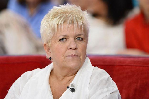"""Mimie Mathy sur le plateau de """"Vivement dimanche"""" en 2015."""