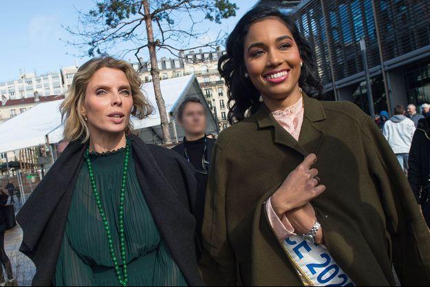 Sylvie Tellier et Clémence Botino, Miss France 2020, se rendant au Salon de l'Agriculture en février dernier