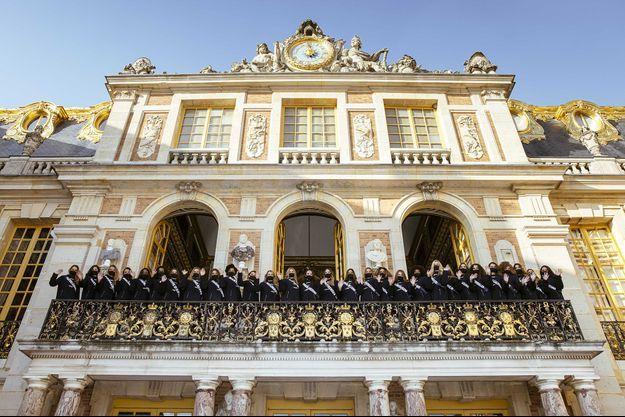 Les 29 candidates au concours Miss France 2021 en visite au château de Versailles le 30 novembre 2020
