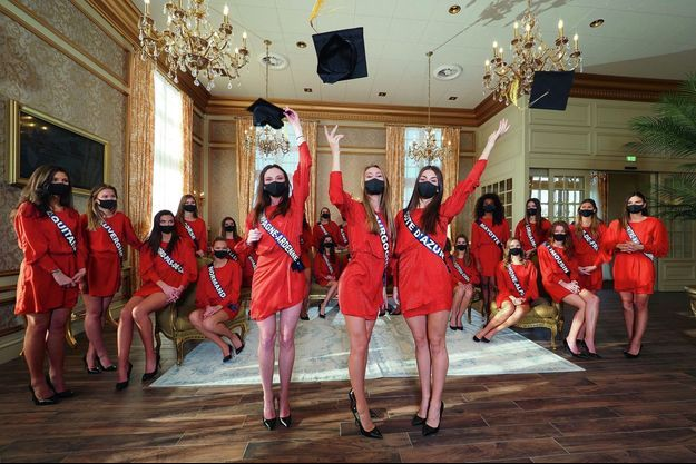 Avant le sacre du 19 décembre. De g. à dr., Gwenegann wSaillard (Miss Champagne-Ardenne), Lou-Anne Lorphelin (Miss Bourgogne) et Lara Gautier (Miss Côte d'Azur) ont déjà gagné le test de culture générale.