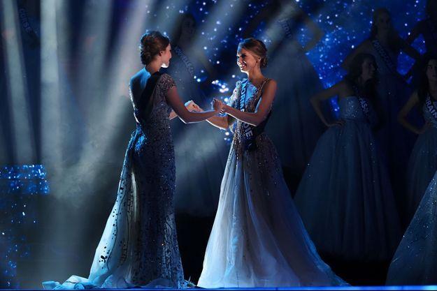 April Benayoum et Amandine Petit, samedi soir, élues première dauphine et Miss France.