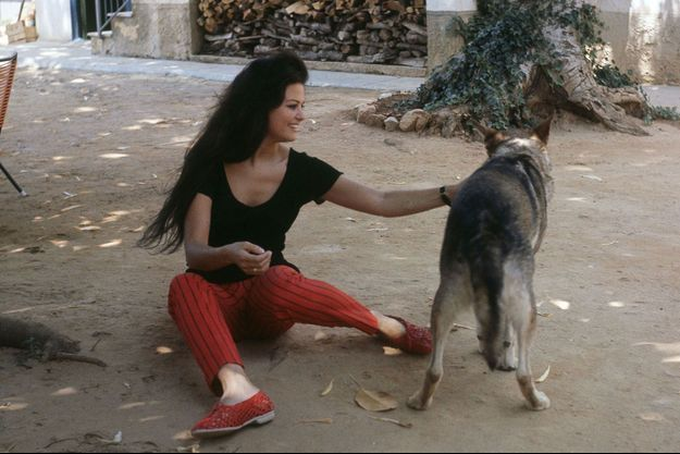 """Claudia Cardinale, déjà star en 1962, pendant le tournage du """"Guépard"""" en 1962."""