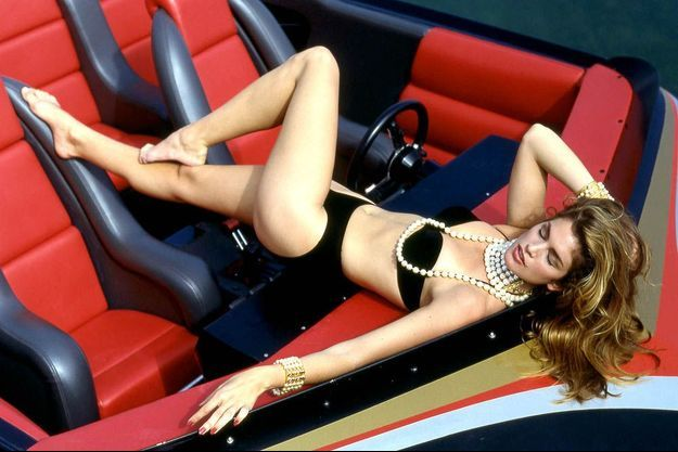 Séance photo à Los Angeles pour Cindy Crawford déjà au top en 1990.