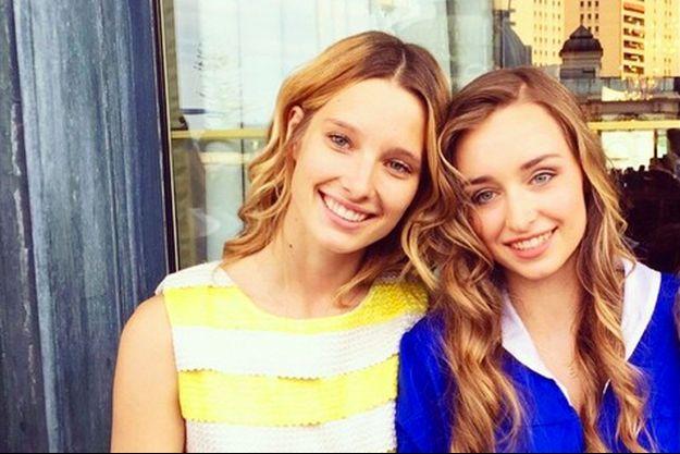 Ilona aux côtés de sa soeur Emma Smet