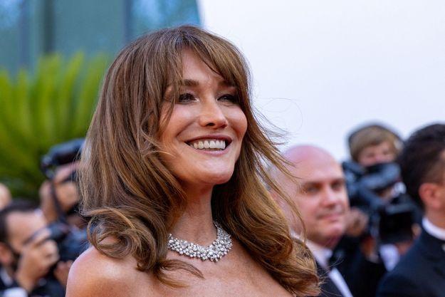 Carla Bruni-Sarkozy le 10 juillet 2021 à Cannes.