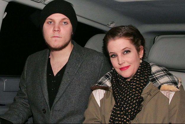 Benjamin Keough et sa mère Lisa Marie Presley, en 2012.