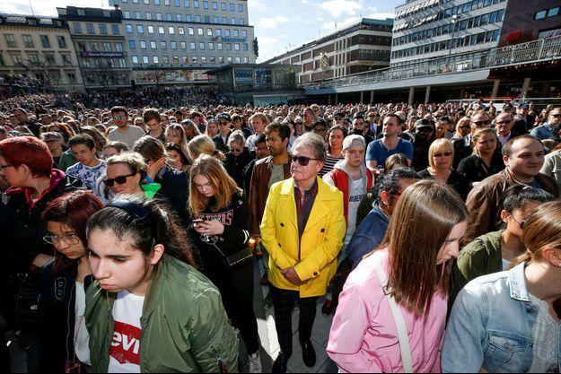 Des milliers de Suédois se sont réunis à Stockholm.