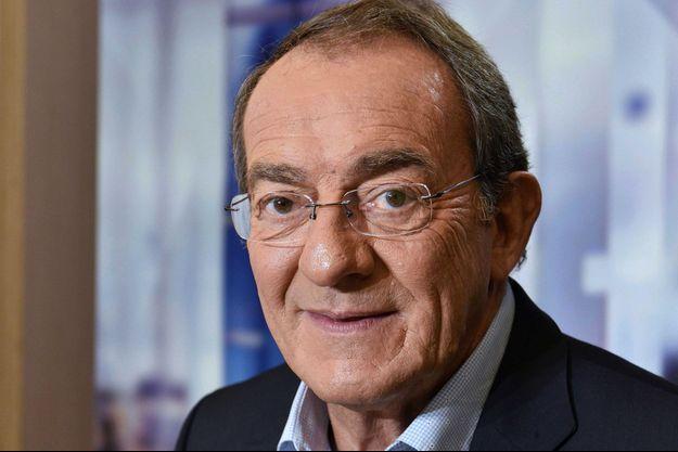 Jean-Pierre Pernaut sur le plateau du JT de TF1 en 2017.